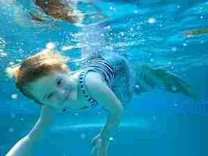Airlie beach swimming lesson at airlie beach swim centre 3